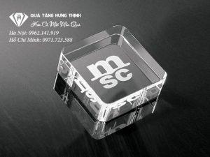 Chặn Giấy Pha Lê Hình Vuông CG02
