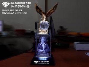 Cúp Đại Bàng Khắc 3D 3D30