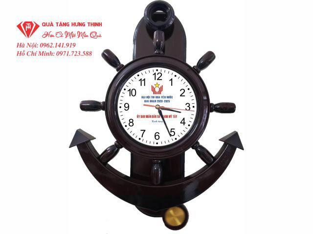 Đồng hồ treo tường bánh lái
