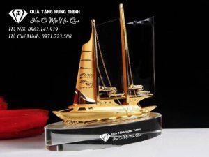 Pha Lê Con Thuyền Buồm Mạ Vàng KP114