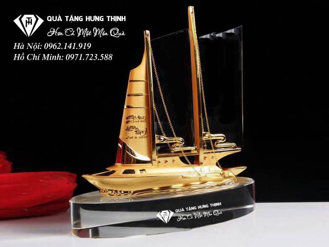 Kỷ niệm chương thuyền buồm mạ vàng