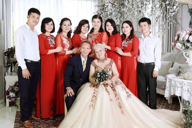 Chụp ảnh toàn bộ gia đình kỷ niệm ngày cưới