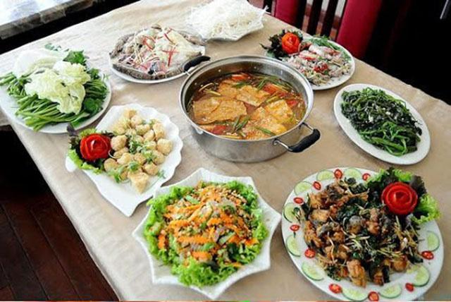 Nấu một bữa ăn tổ chức sinh nhật cho bạn trai