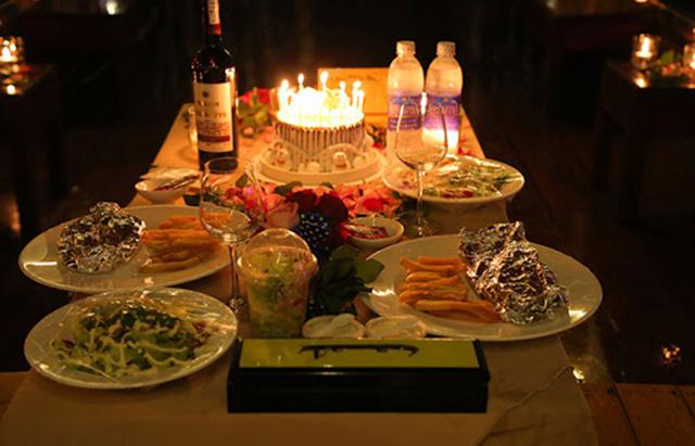 Tổ chức sinh nhật lãng mạn