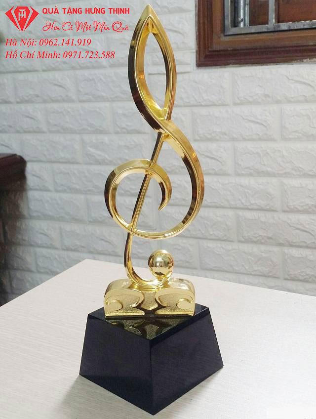 Kỷ niệm chương pha lê hình nốt nhạc
