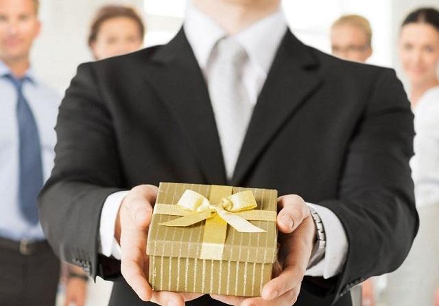 Chọn quà tặng dựa theo đối tượng được nhận