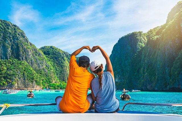 ĐI du lịch cùng nhau nhân ngày valentine