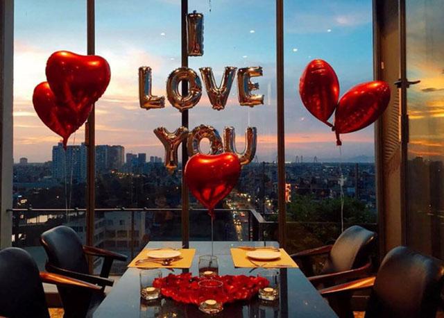 Đi nhà hàng nhân ngày valentine