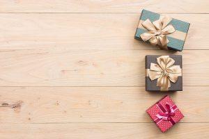 Tặng quà sinh nhật cho bạn gái thân nên chọn như thế nào?