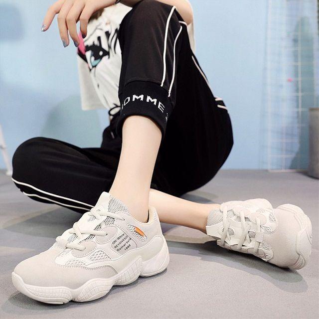 Giày thể thao cho bạn thân nữ cá tính