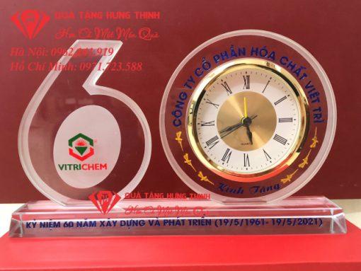 Bộ số 60 đồng hồ pha lê kỷ niệm 60 năm thành lập công ty hóa chất Việt Trì 01