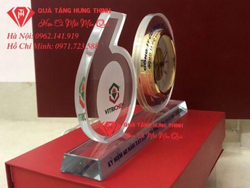 Bộ số 60 đồng hồ pha lê kỷ niệm 60 năm thành lập công ty hóa chất Việt Trì