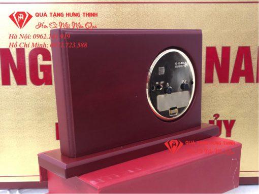 Đồng hồ gỗ để bàn HĐN Xã Nam Thái 01