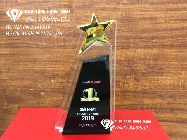 Kỷ niệm chương pha lê ngôi sao kim loại vinh danh nhân viên 02