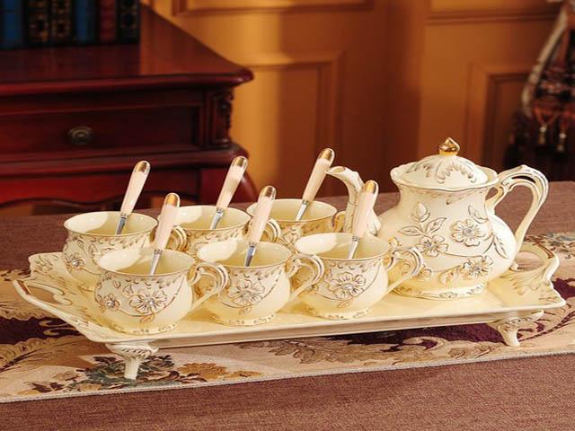 Bộ ấm trà là biểu tượng cho sự sum họp. Ảnh: Internet.