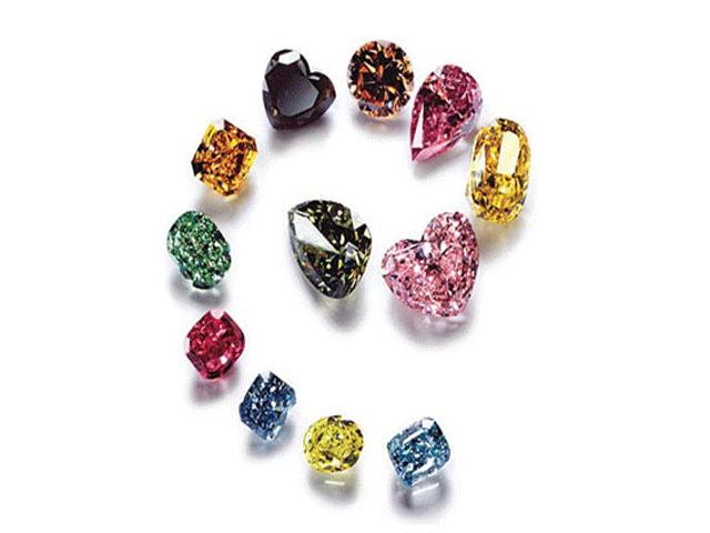 Kim cương màu hiếm hơn kim cương trắng rất nhiều. Ảnh: Internet