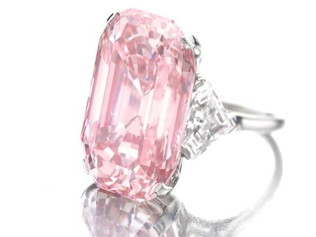 Viên kim cương Perfect Pink với màu hồng tinh khiết nhất trên thế giới. Ảnh: Internet