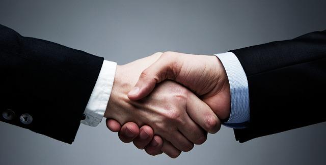 Doanh nghiệp, đối tác là đối tượng nên tặng quà