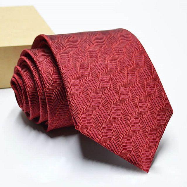 Cà vạt lụa tơ tằm cho sếp nam sử dụng hàng ngày