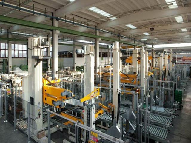 Thủy tinh sản xuất nhà máy với số lượng lớn. Ảnh: Internet.