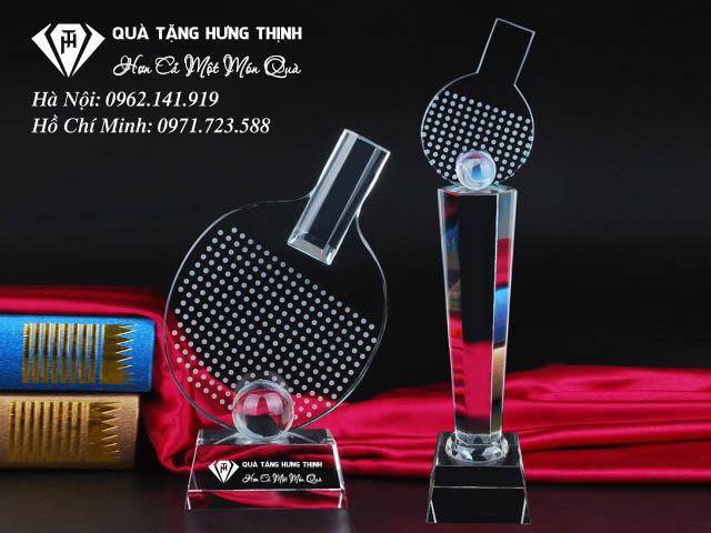 Hình dáng chiếc vợt cùng quả bóng bàn là sản phẩm khá được ưa chuộng tại shop Hưng Thịnh