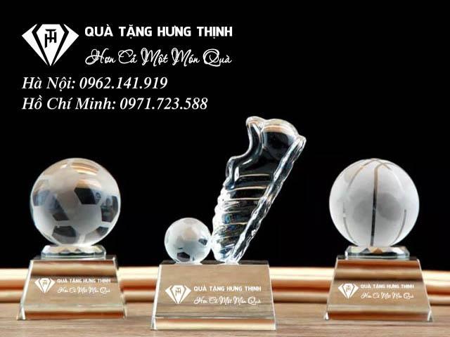Cúp vinh danh môn bóng đá tại shop Hưng Thịnh