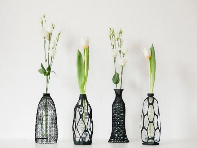 Bình hoa thiết kế nhỏ gọn, tinh tế dành tặng tri ân khách hàng. Ảnh: Internet
