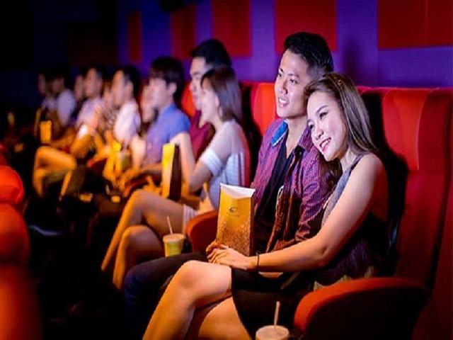 Buổi xem phim là nơi hẹn hò lý tưởng cho các cặp đôi. Ảnh: Internet