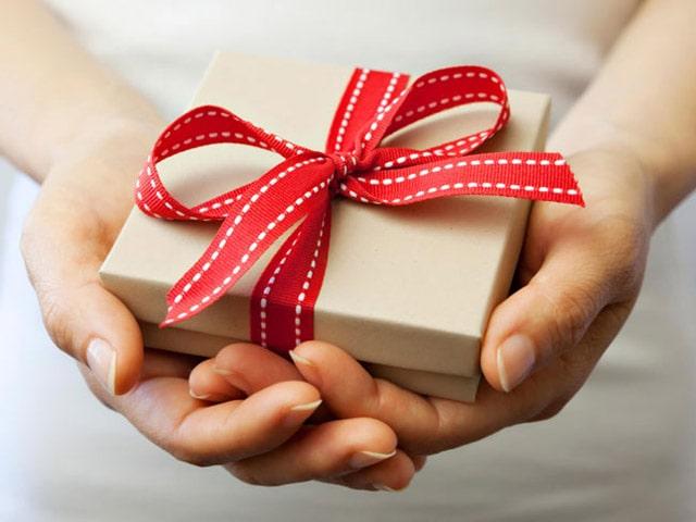 Những món quà tri ân sẽ tạo ấn tượng khó phai đối với khách hàng. Ảnh: Internet